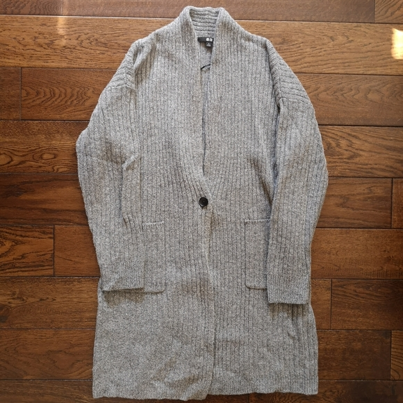 Uniqlo Wool Ribbed Cardigan